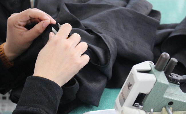 世界に自分だけの洋服をつくる。服飾系職人とは?