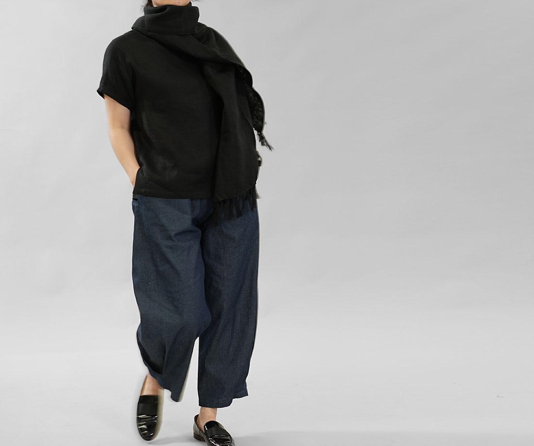 中厚 リネン Tシャツ ブラウス ふんわり リネン100% Wガーゼ トップス ラグランスリーブ 丸首 裾スリット 万能 / ブラック トップス カットソー Tシャツ リネン 麻 リネントップス 麻トップス 半袖 半袖トップス 半袖Tシャツ はんそで 半そで 半端袖 丸首 クルーネック Uネック ガーゼ地 リネンガーゼ 薄手 軽やか ラグラン ラグランスリーブ カジュアル 肩周りフリー ゆったり 無地 無地トップス 無地ブラウス 黒 黒色 ブラックトレンド 旬 着こなし 春 夏 秋 冬 レディース wafu 新作
