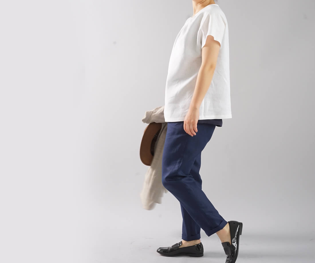 薄地 リネンブラウス タック Tシャツ チュニック 半袖 後ろボタン / ホワイト